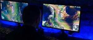 League of Legends (LOL), esporty - Zdroj Djordje Novakov, Shutterstock.com